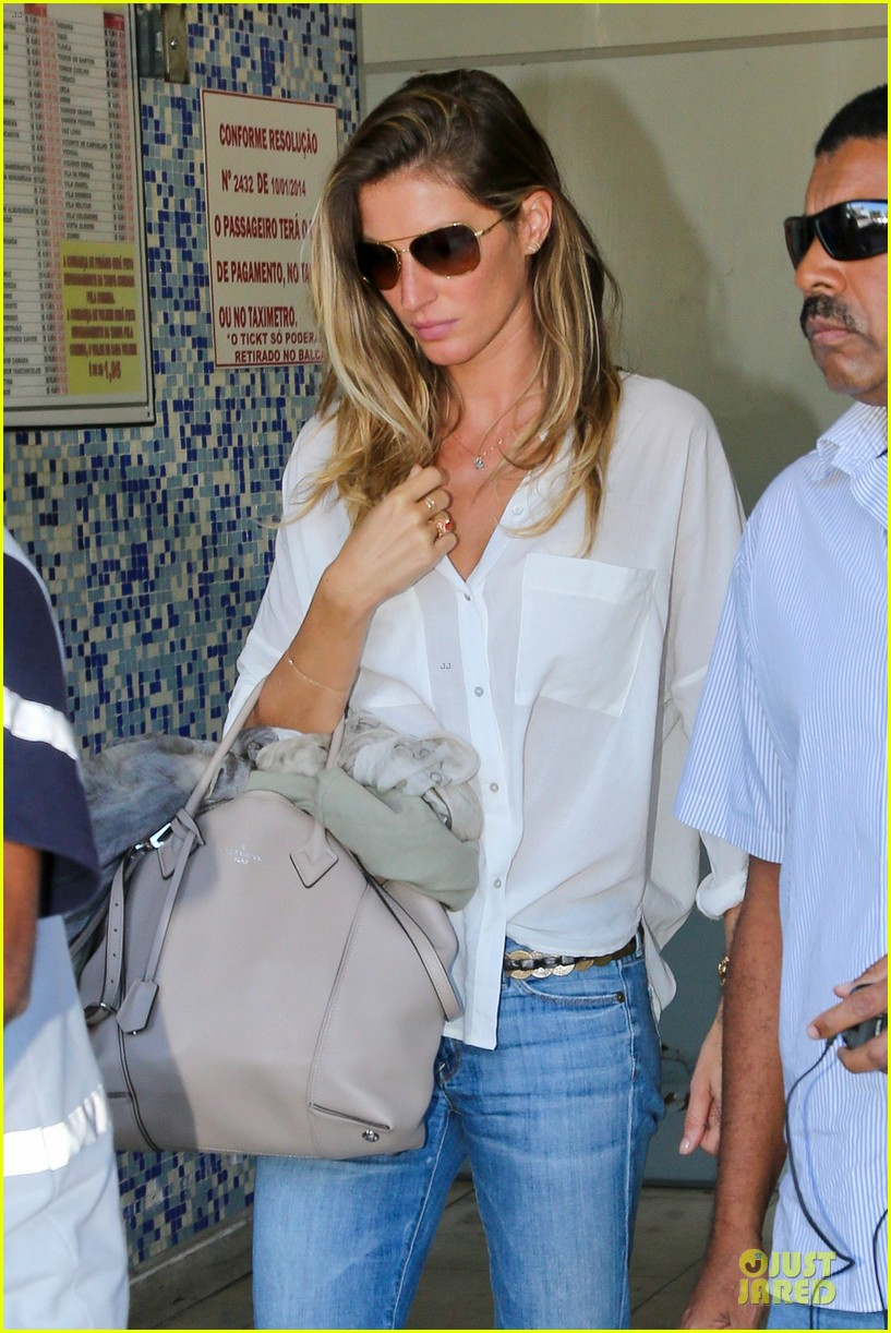gisele bundchen brazil after playing soccer 023182741