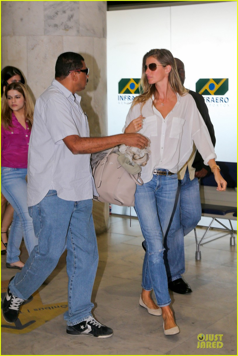 gisele bundchen brazil after playing soccer 10