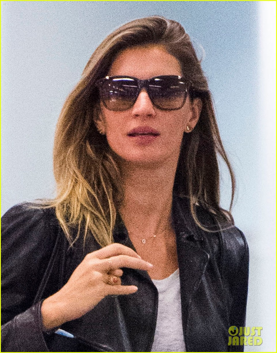 gisele bundchen lands in leather after short trip to brazil 033185654