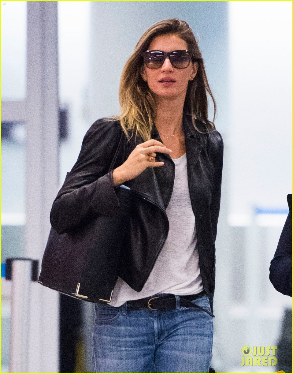 gisele bundchen lands in leather after short trip to brazil 053185656