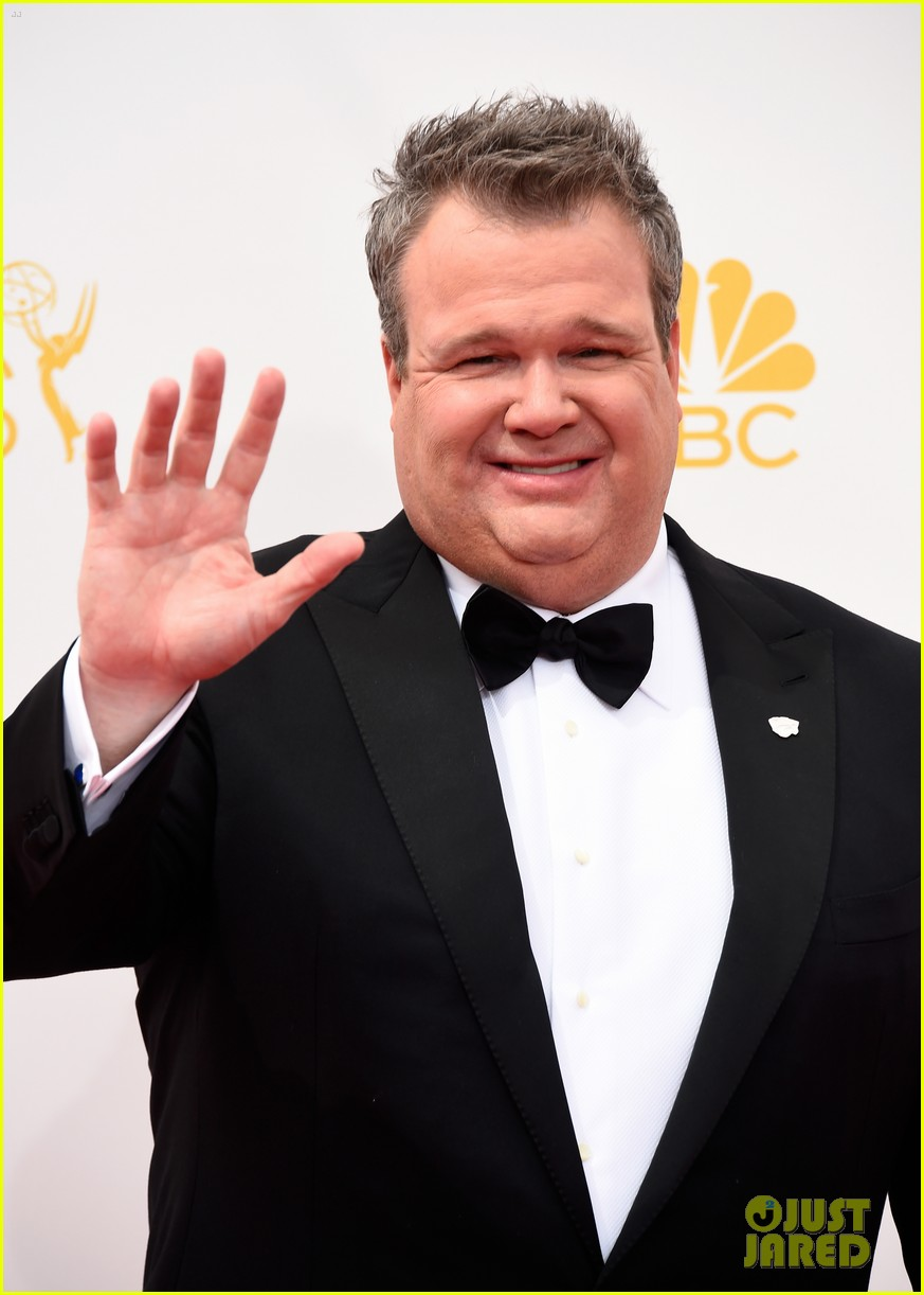 ty burrell eric stonestreet emmy red carpet 07