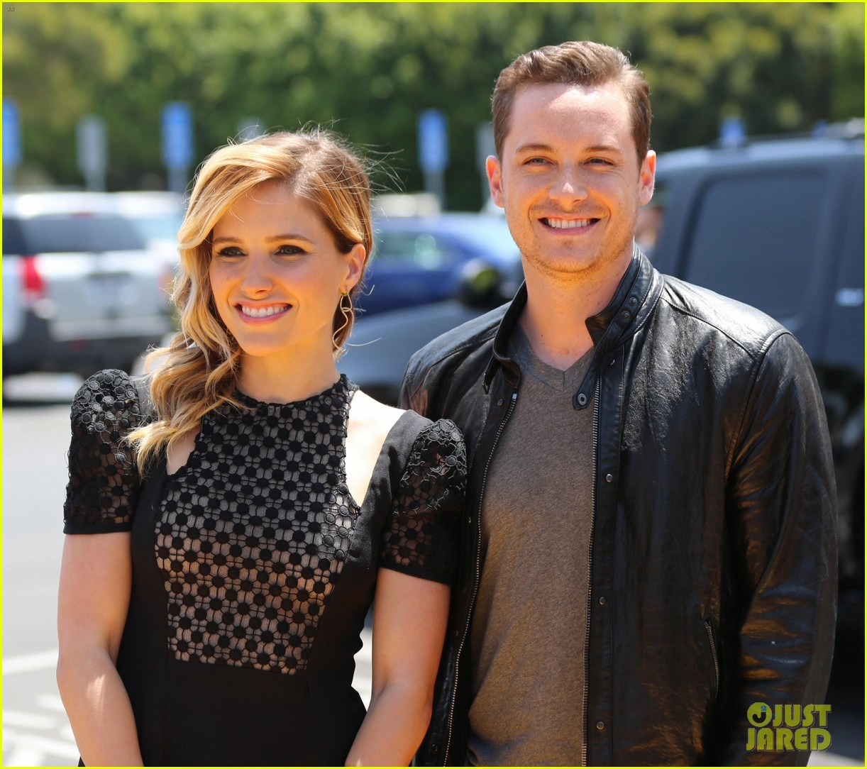 Is sophia bush dating her chicago pd costar
