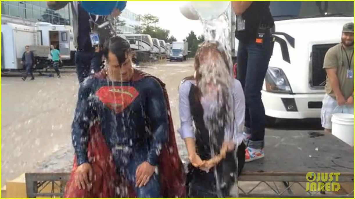 henry cavill amy adams superman ice bucket challenge 033184207