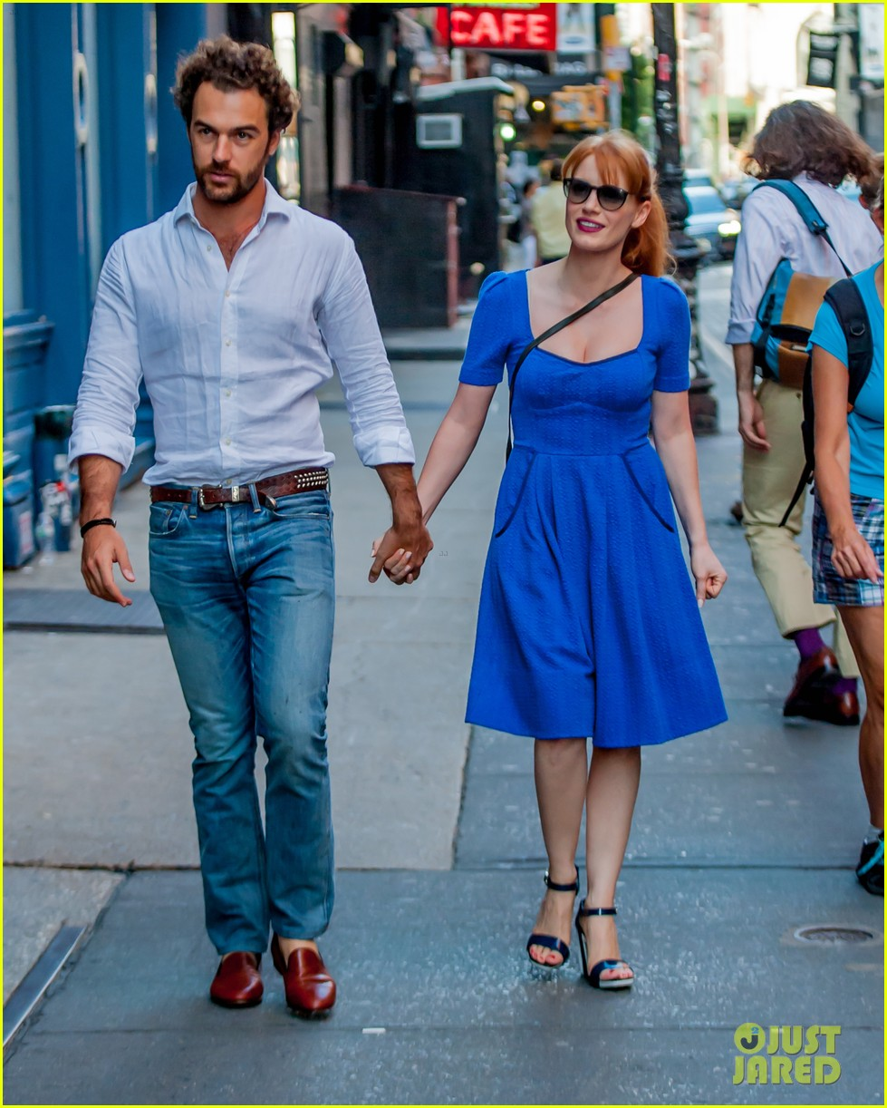 jessica chastain boyfriend gian luca hold hands nyc 043179862