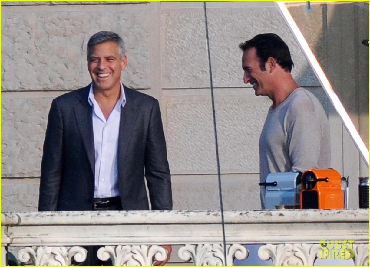 george clooney gets visit from amal alamuddin on set 053185133