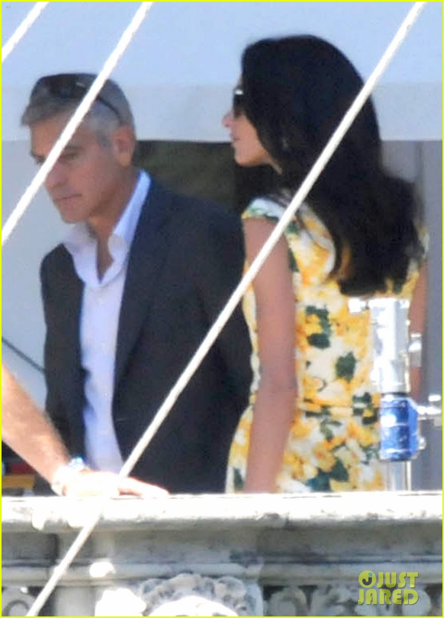 george clooney gets visit from amal alamuddin on set 133185141