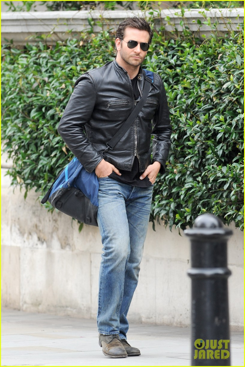 bradley cooper flashes mega watt smile on set 08