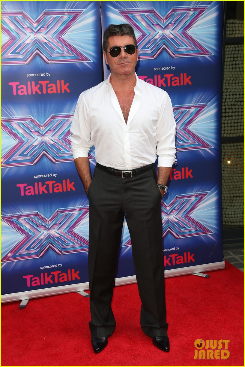 simon cowell girlfriend lauren silverman show some affection at x factor uk 113185333
