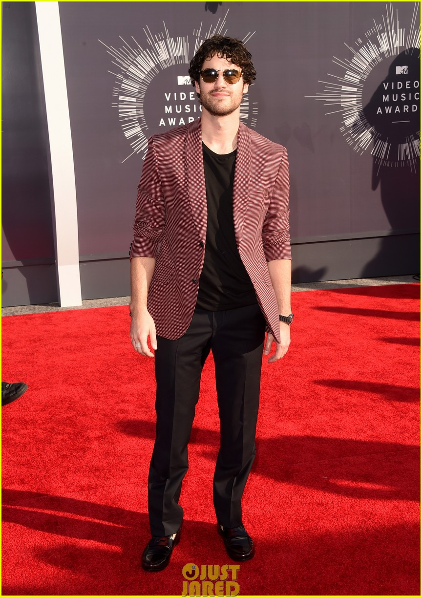 darren criss mtv vmas red carpet 05
