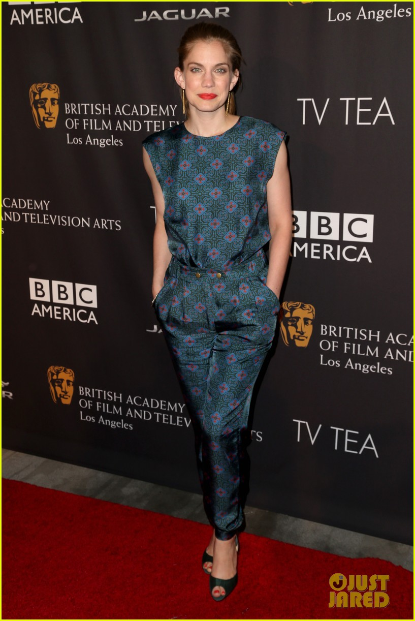 michelle dockery lizzy caplan bafta emmys party 22