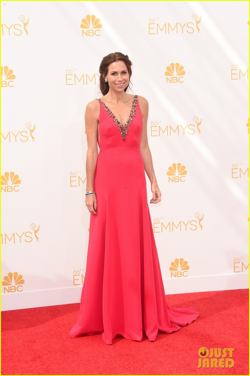 minnie driver debra messing emmys 2014 09