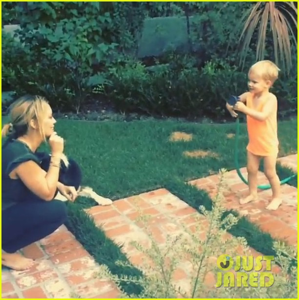hilary duff son luca sprays her with water video 013170722