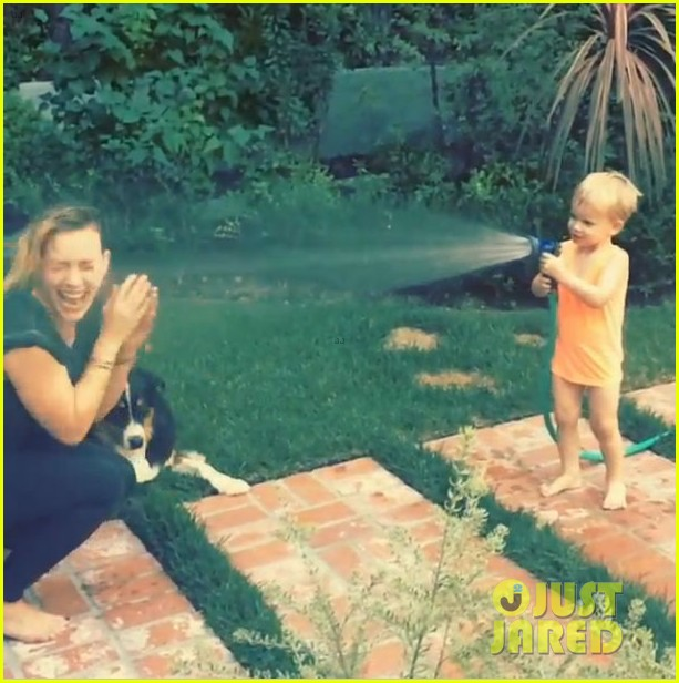 hilary duff son luca sprays her with water video 043170725