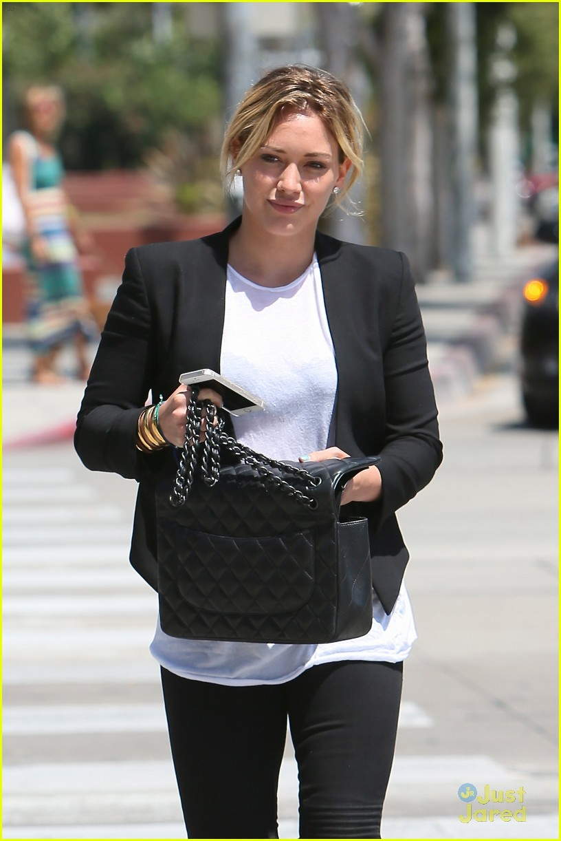 hilary duff steps out after new song 02