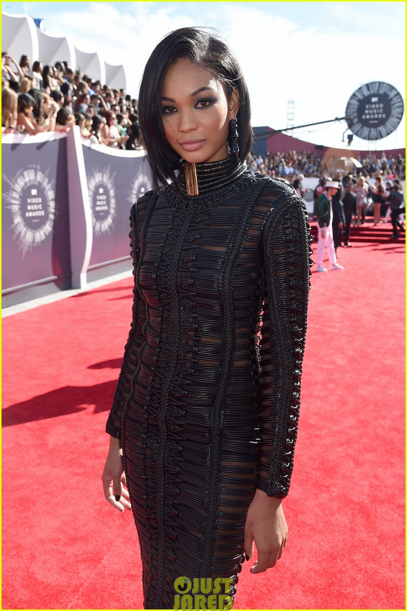 chanel iman jourdan dunn vmas mtv red carpet 05