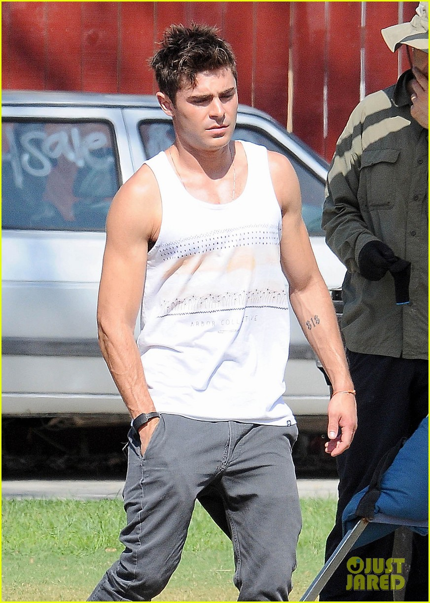 zac efron steps out after split from michelle rodriguez 02
