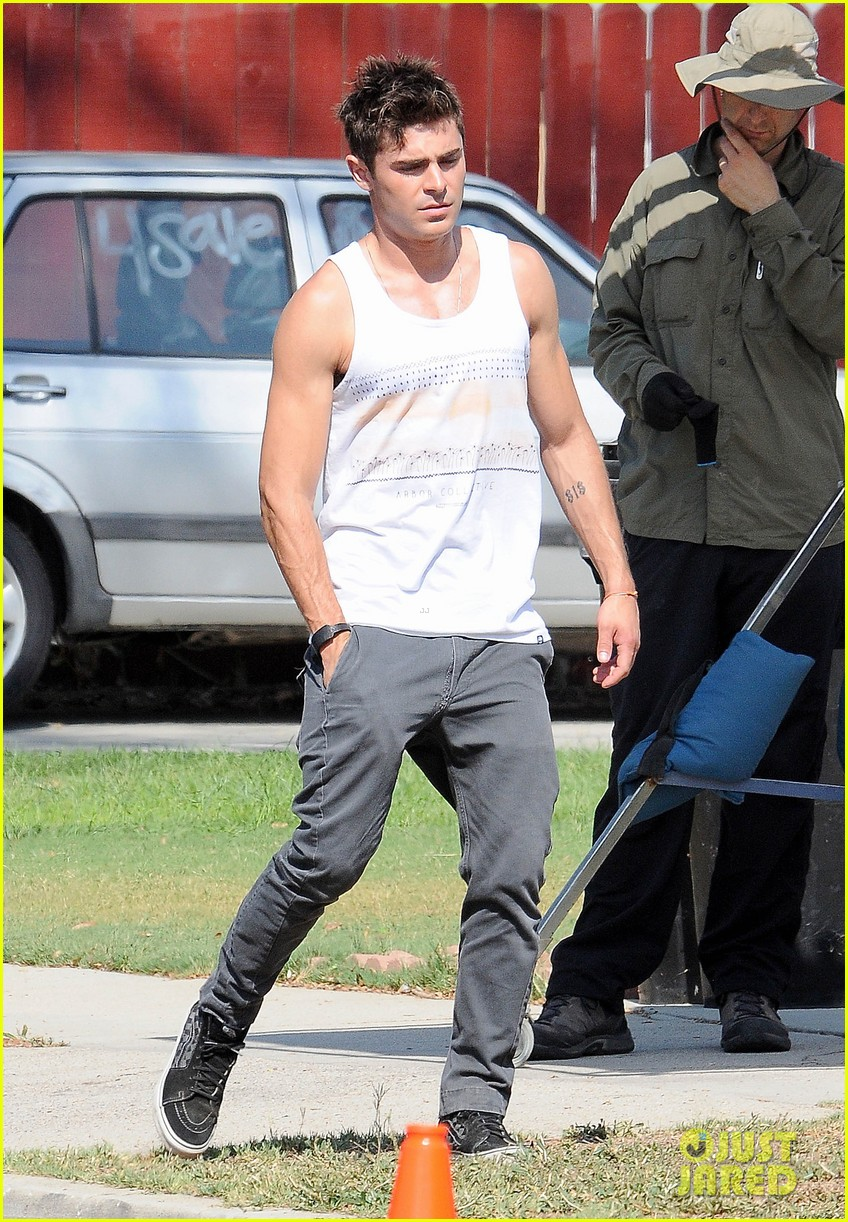 zac efron steps out after split from michelle rodriguez 07