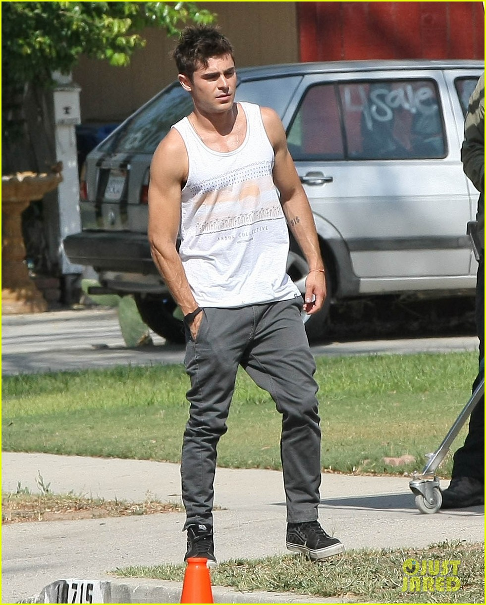 zac efron steps out after split from michelle rodriguez 123179763