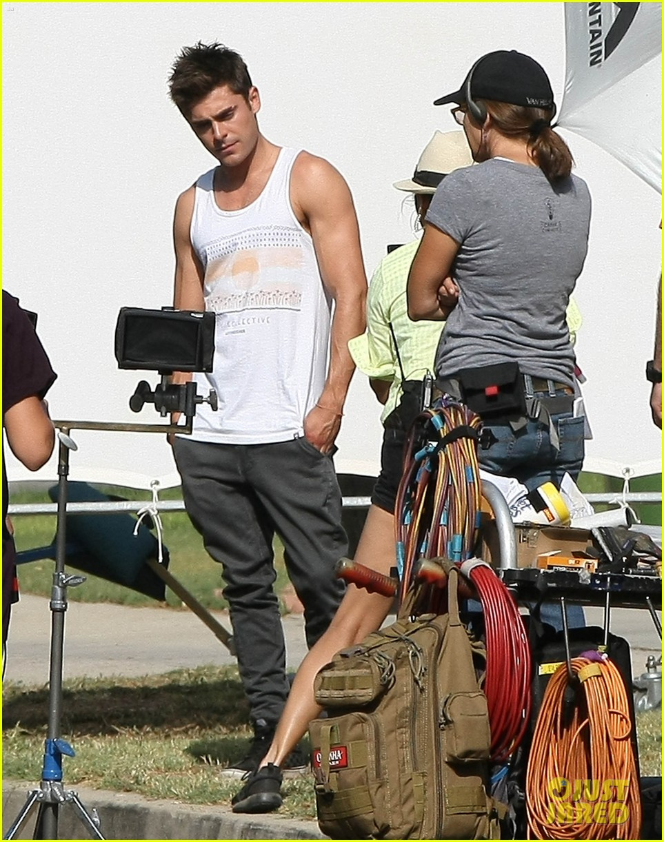zac efron steps out after split from michelle rodriguez 173179768