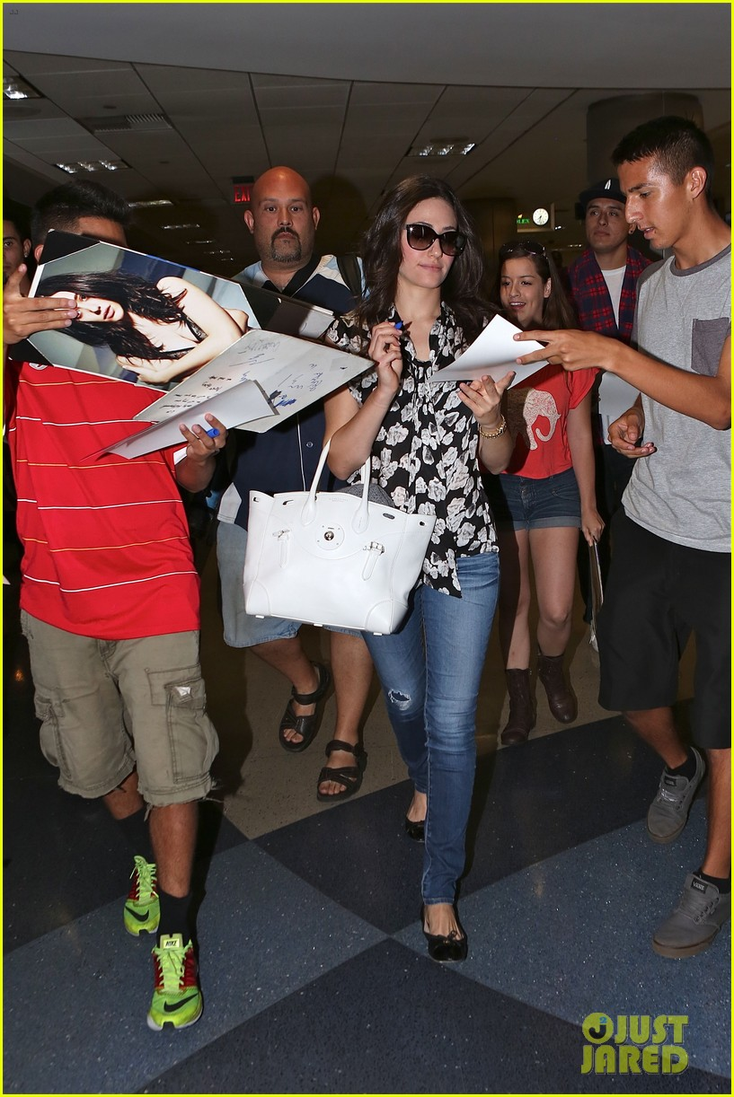 emmy rossum lands lax late night shameless shoot 093187069