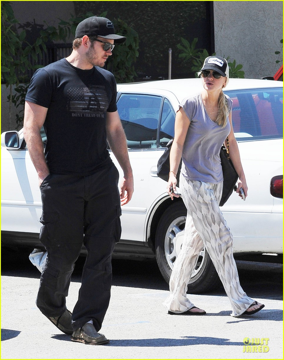 anna faris chris pratt satisfy lunch cravings at jinkys 03