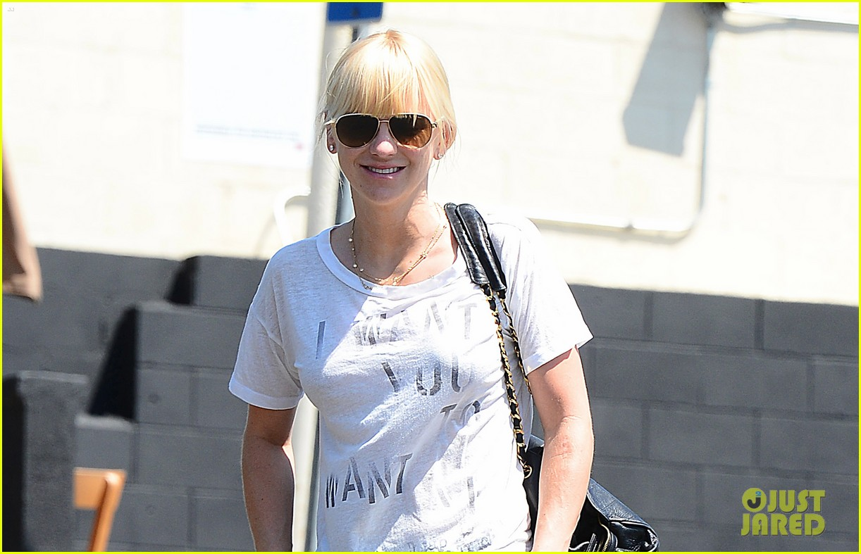 anna faris mom returns in just about a month 023182831