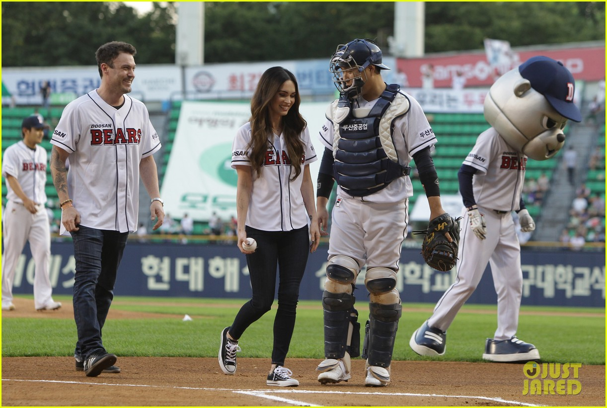 megan fox throws the first pitch attends teenage mutant ninja turtles 073184624