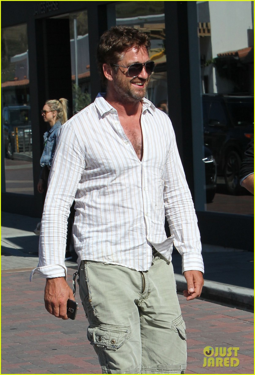 gerard butler chest hair shopping malibu 093177927