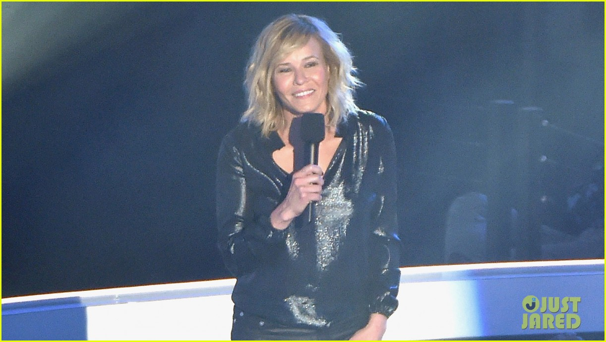 chelsea handler jokes about her small butt mtv vmas 2014 043182507