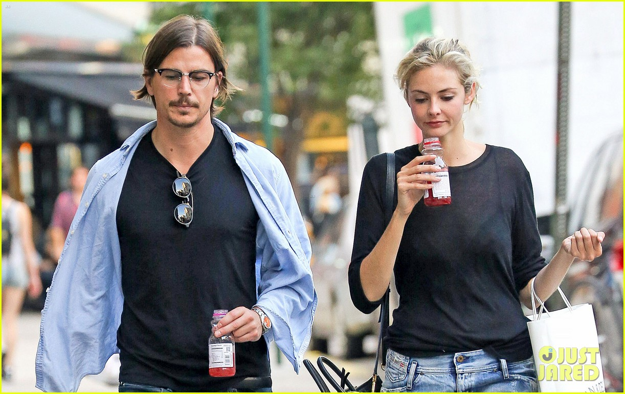josh hartnett tamsin egerton have a date night in the city 02