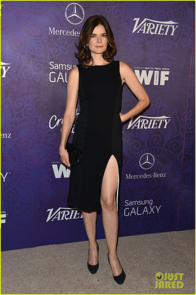 christina hendricks michelle monaghan variety emmys party 163181942