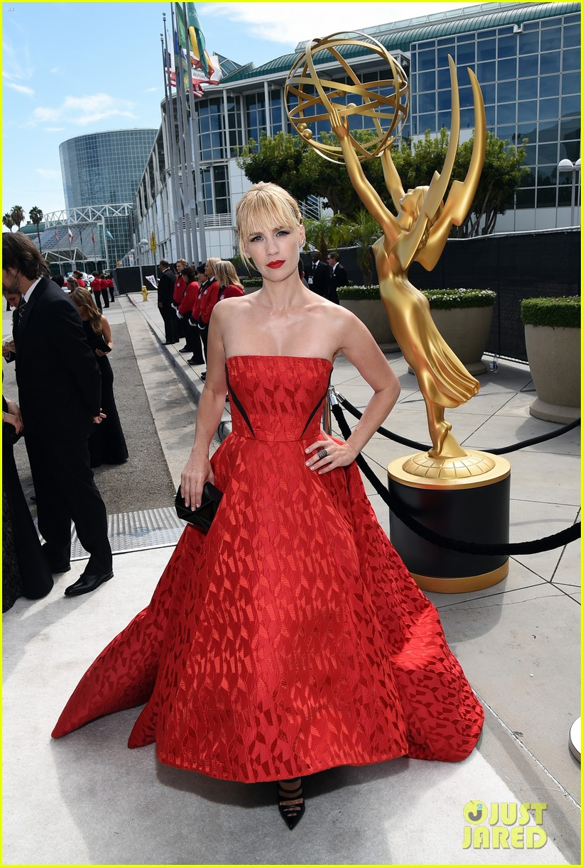 january jones jessica pare emmys 2014 red carpet 02