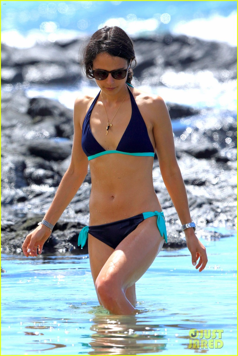 jordana brewster hot hawaiian bikini mom 103186642