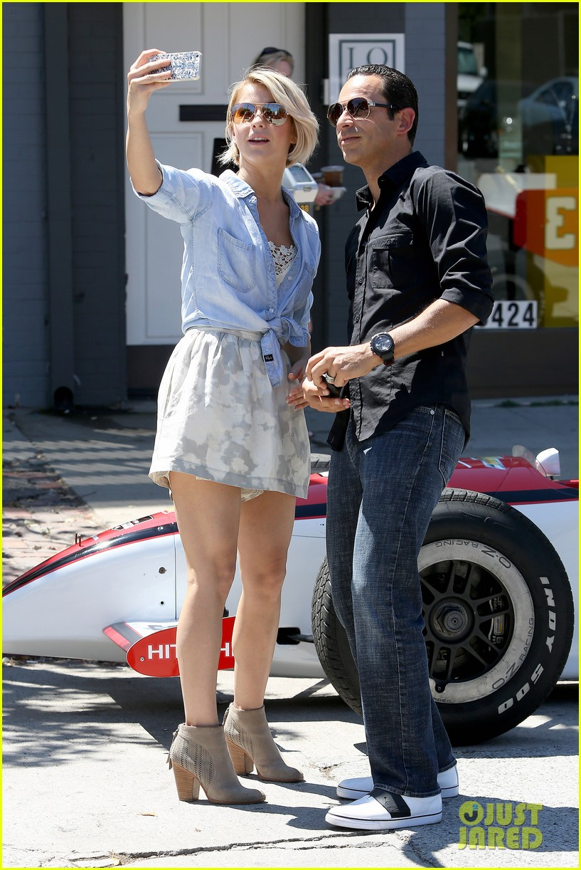 julianne hough helio castroneves selfie before race 033184924