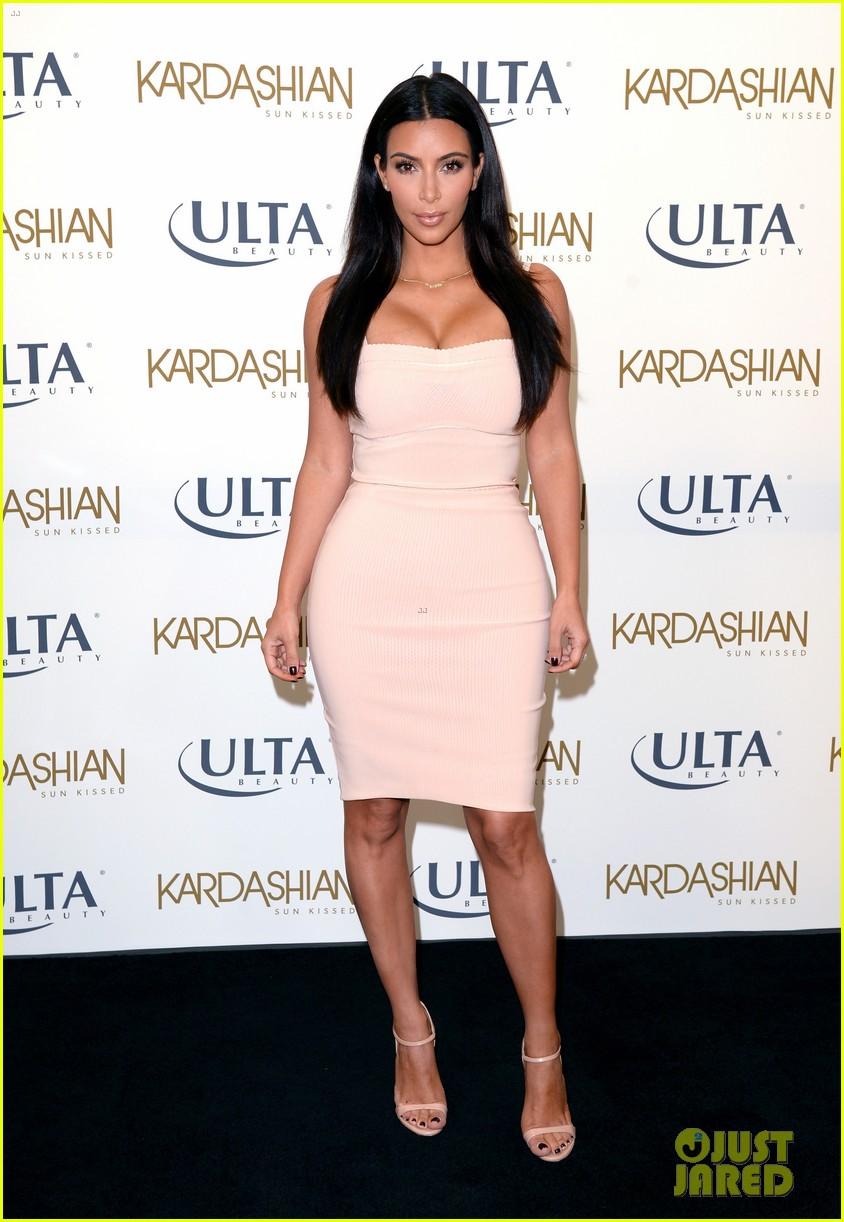kim kardashian feels younger because of her dermatologist 113171916