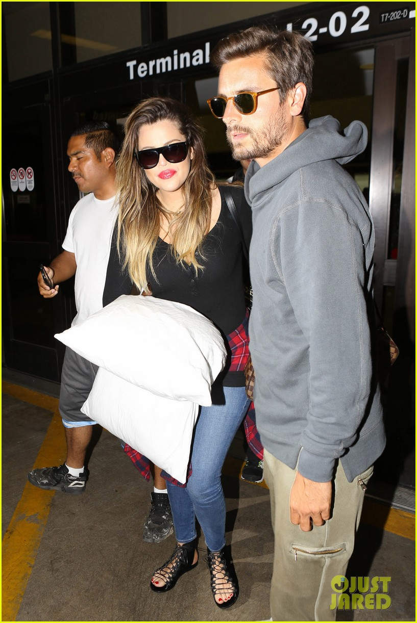 khloe kardashian touches down at lax with scott disick after hosting together 023178477