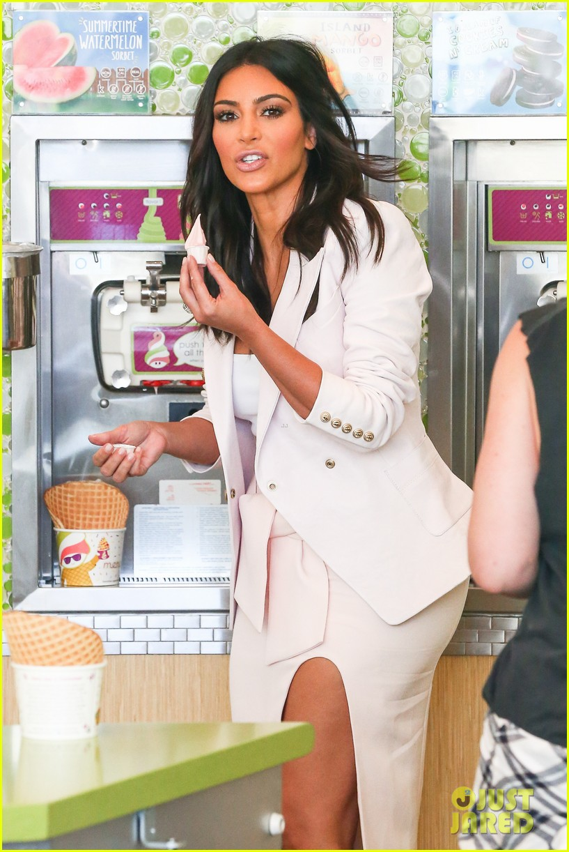kim kardashian satisfies her sweet tooth with some fro yo 063185757