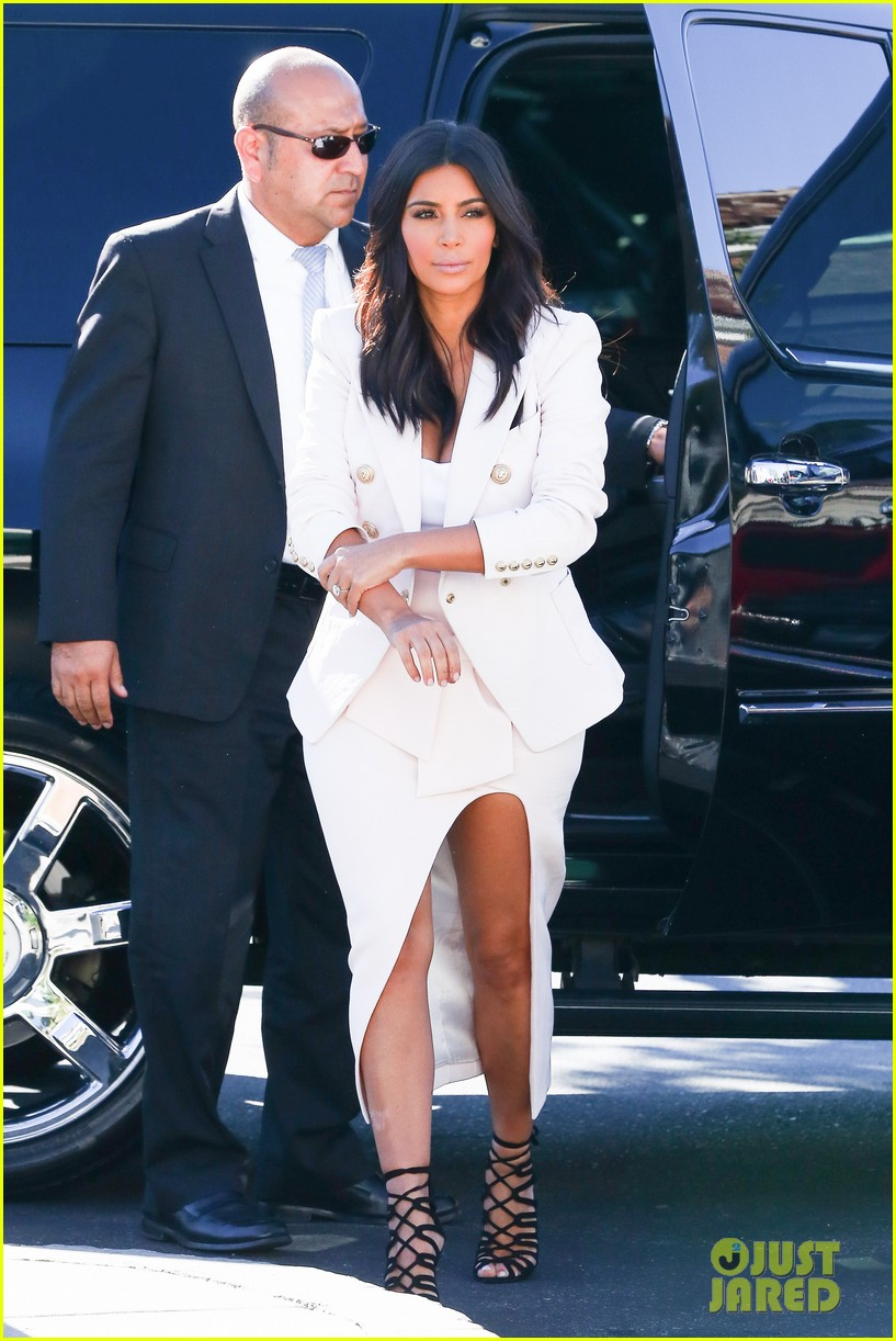 kim kardashian satisfies her sweet tooth with some fro yo 133185764