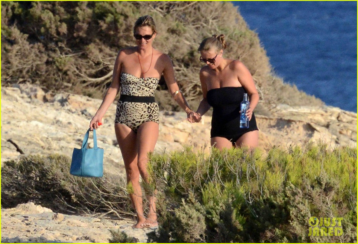 kate moss shows off body animal print bathing suit 063178063