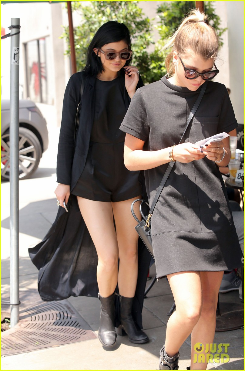 kylie jenner steps out after minor car accident 093179276