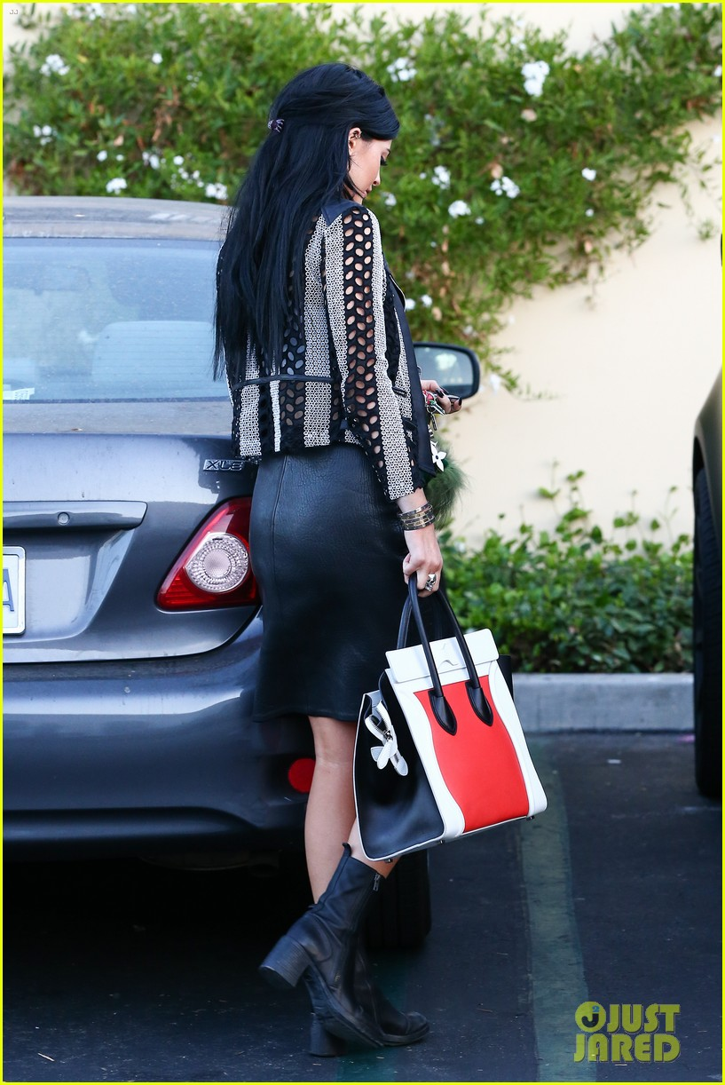 kylie kendall jenner madden girl bts video 22
