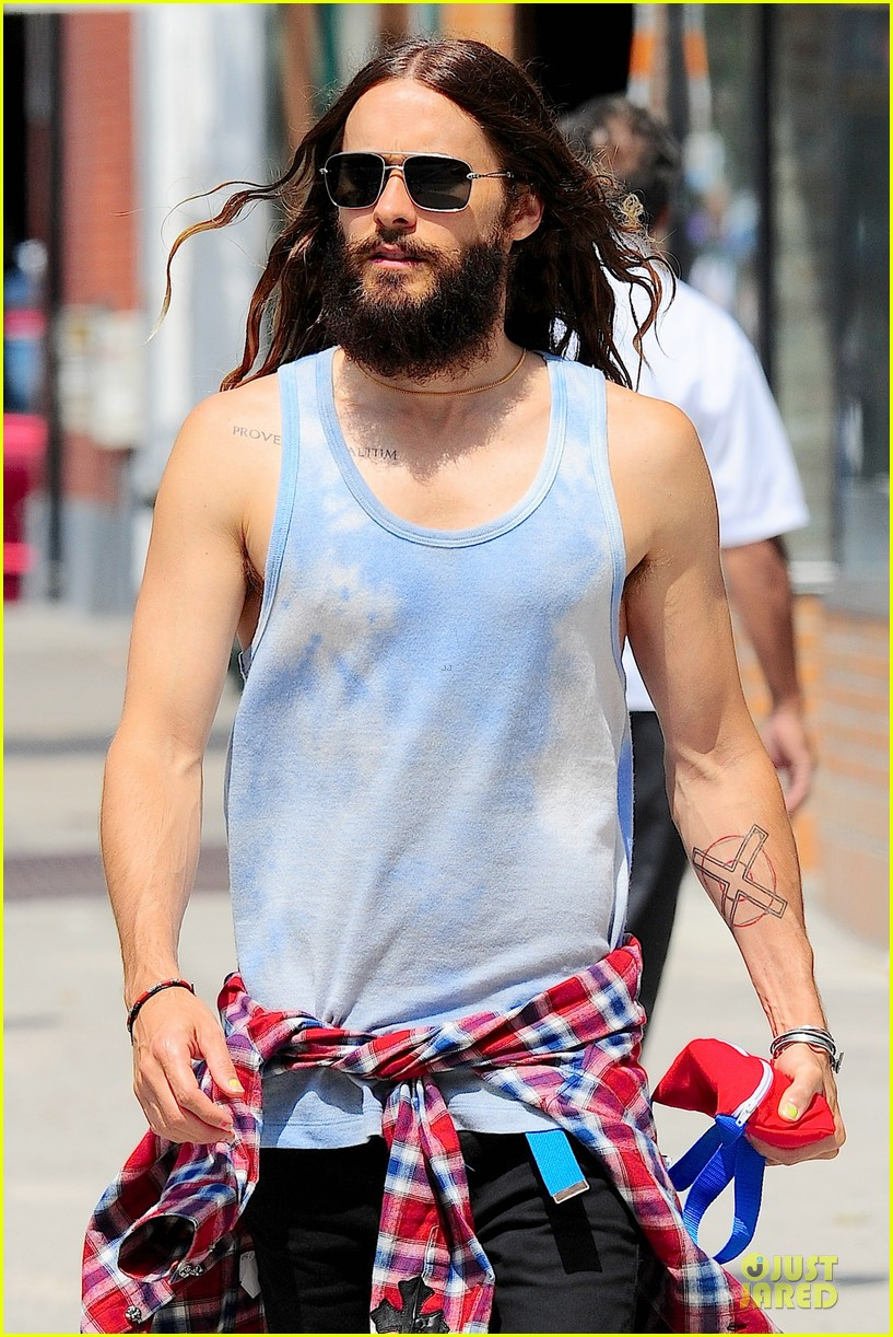 jared leto brings back 90s fashion trends 10