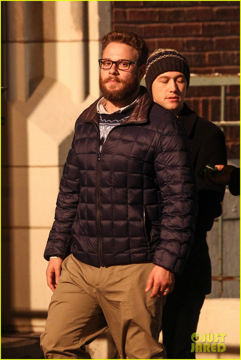 joseph gordon levitt anthony mackie seth rogen christmas movie 123186389