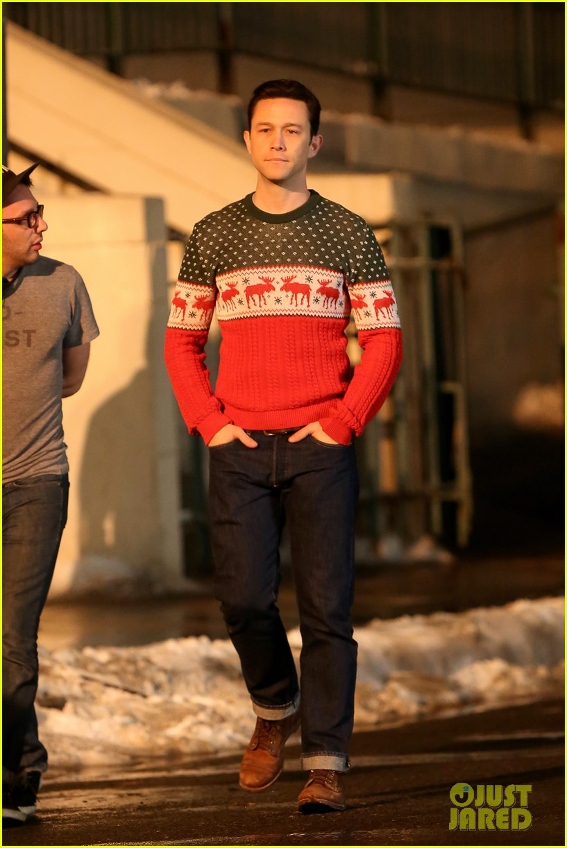 Joseph Gordon-Levitt & Seth Rogen Are Filming a Christmas Movie ...