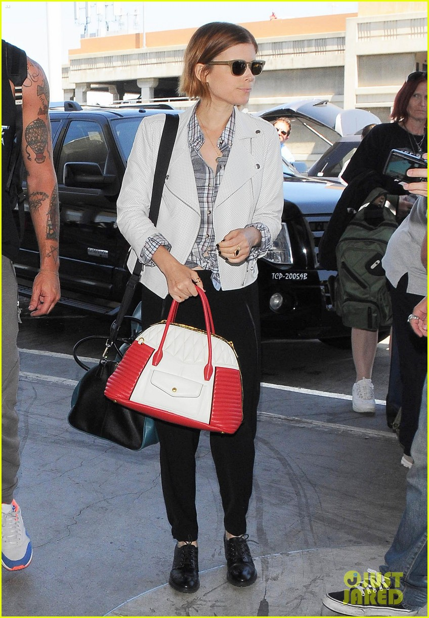 kate mara robin wright fly out of los angeles 073185190