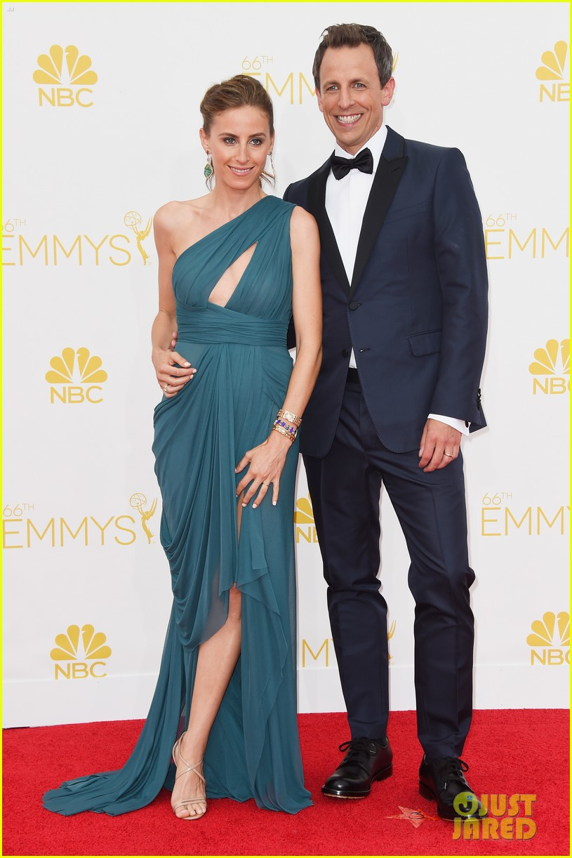 seth meyers hits red carpet before hosting duties emmys 2014 043183670