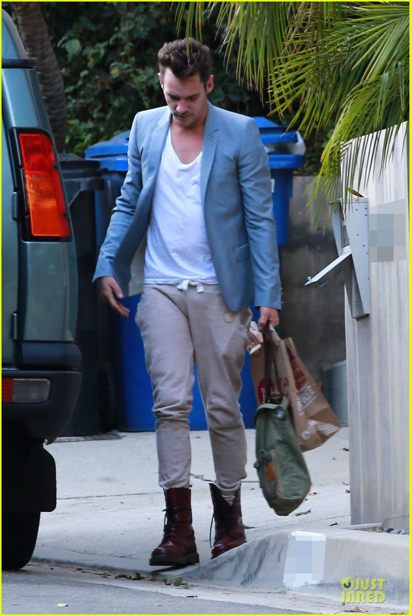 jonathan rhys meyers grabs groceries after another me hits theaters 093181614
