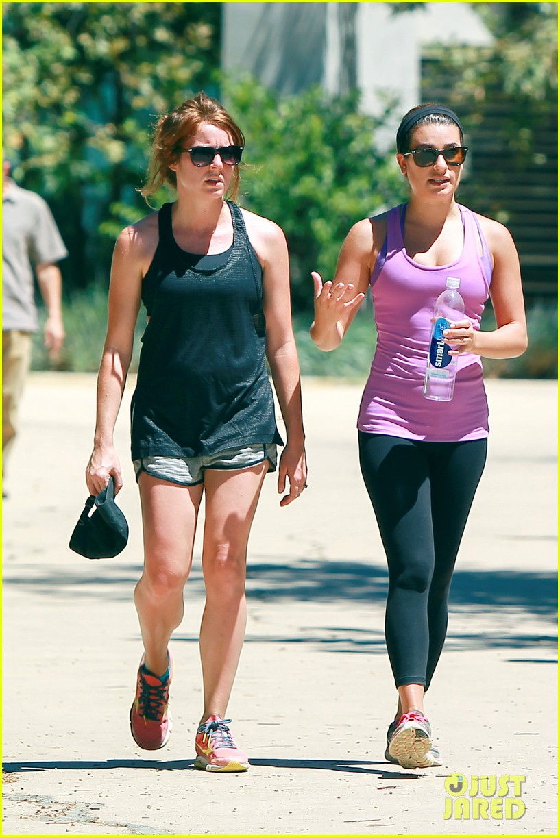 lea michele gets breakfast with a little help from gwyneth paltrow 203178303