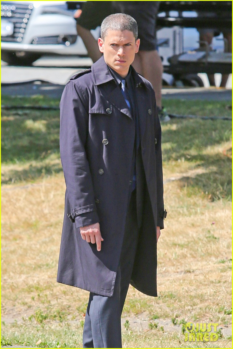 wentworth miller on the flash first set photos 11