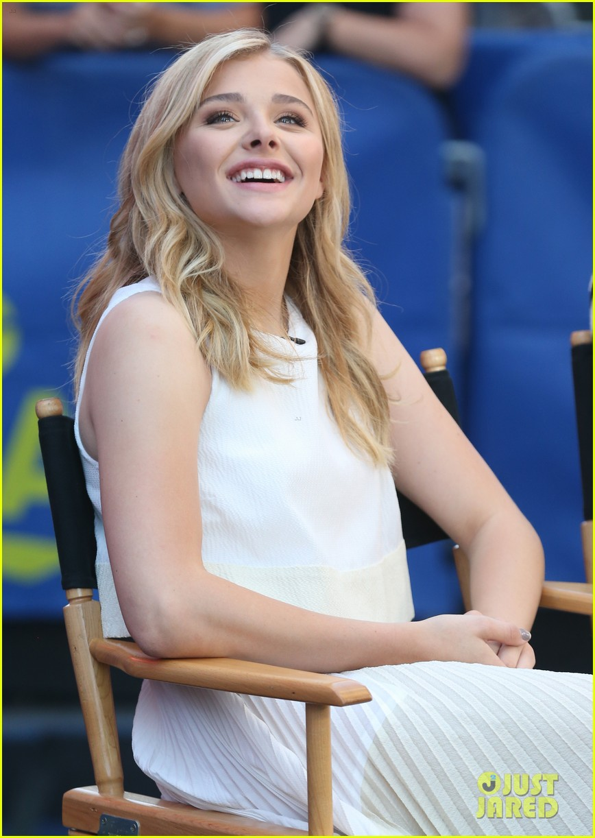chloe moretz jamie blackley stay gma spot 09